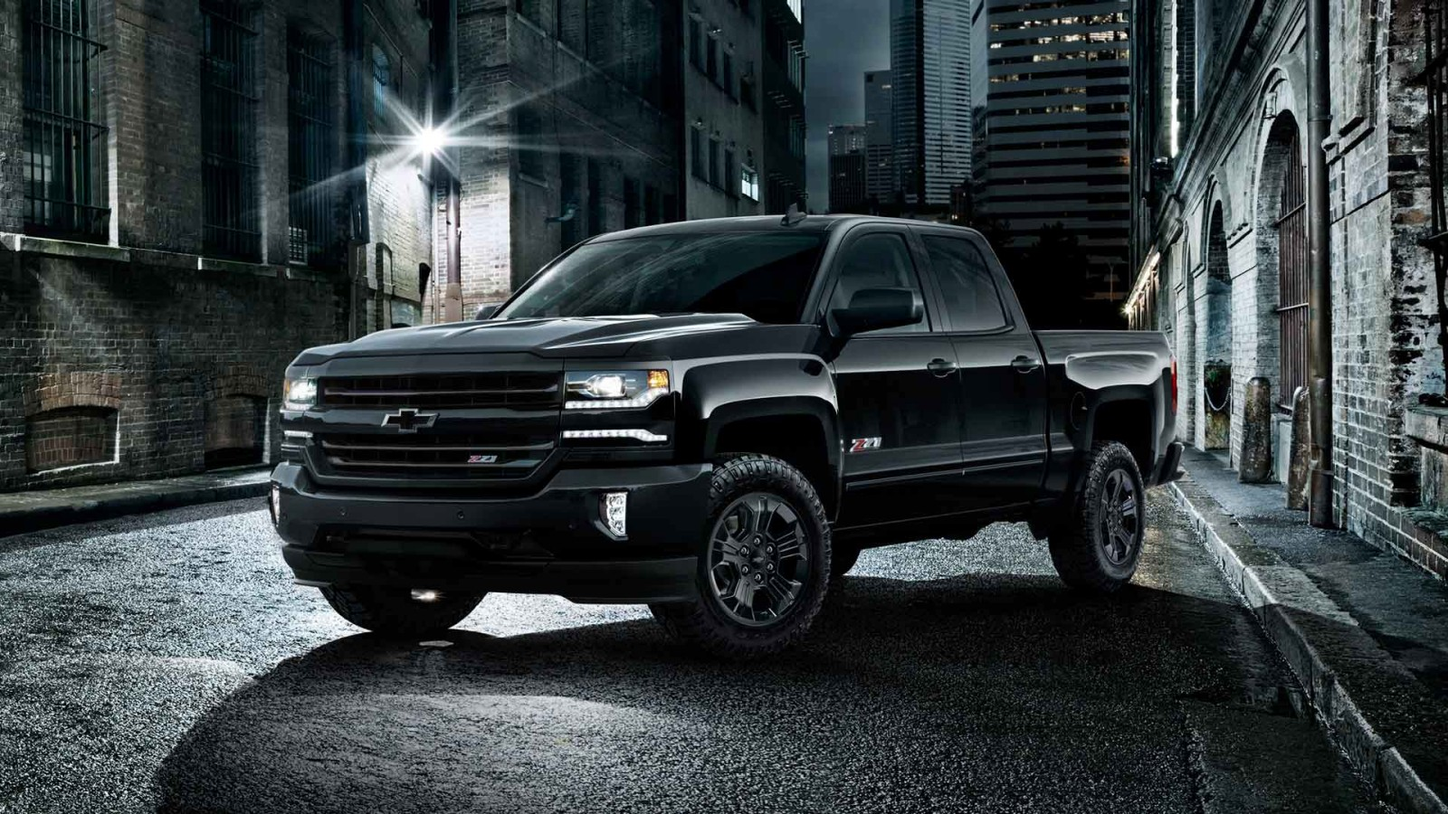 why a chevy silverado is a better pick for you than the ford f 150. Black Bedroom Furniture Sets. Home Design Ideas